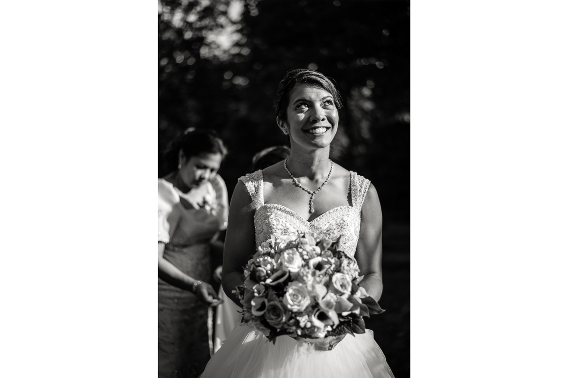 cloisters castle bride smile flowers Denver wedding photographer