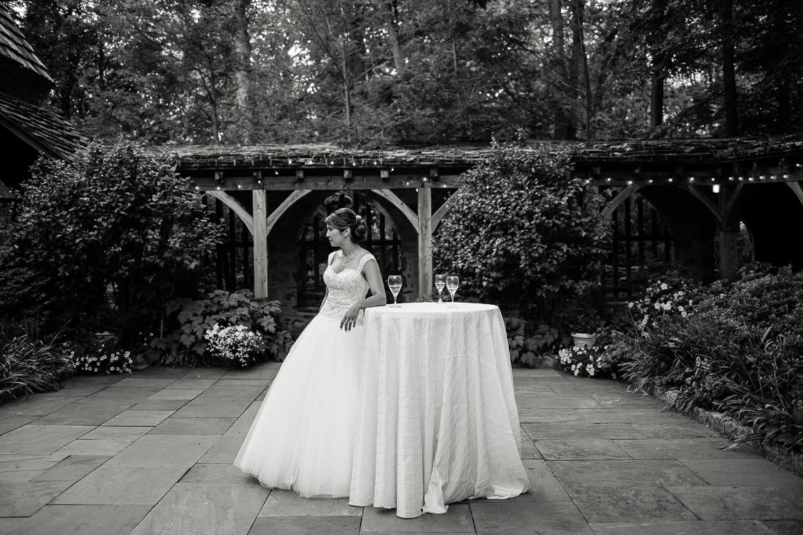 cloisters castle bride table glasses aspen wedding photographer