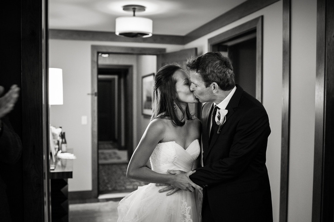 vail co four seasons wedding kiss photojournalism