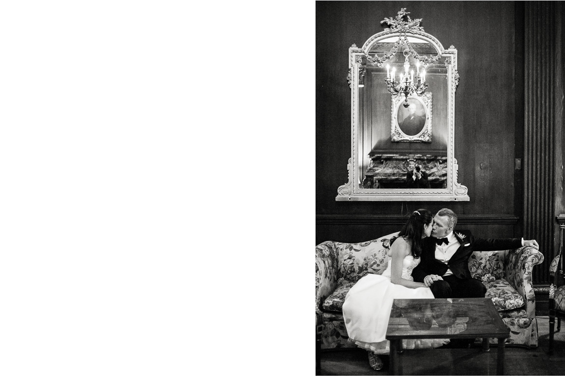 washington dc wedding kiss couch