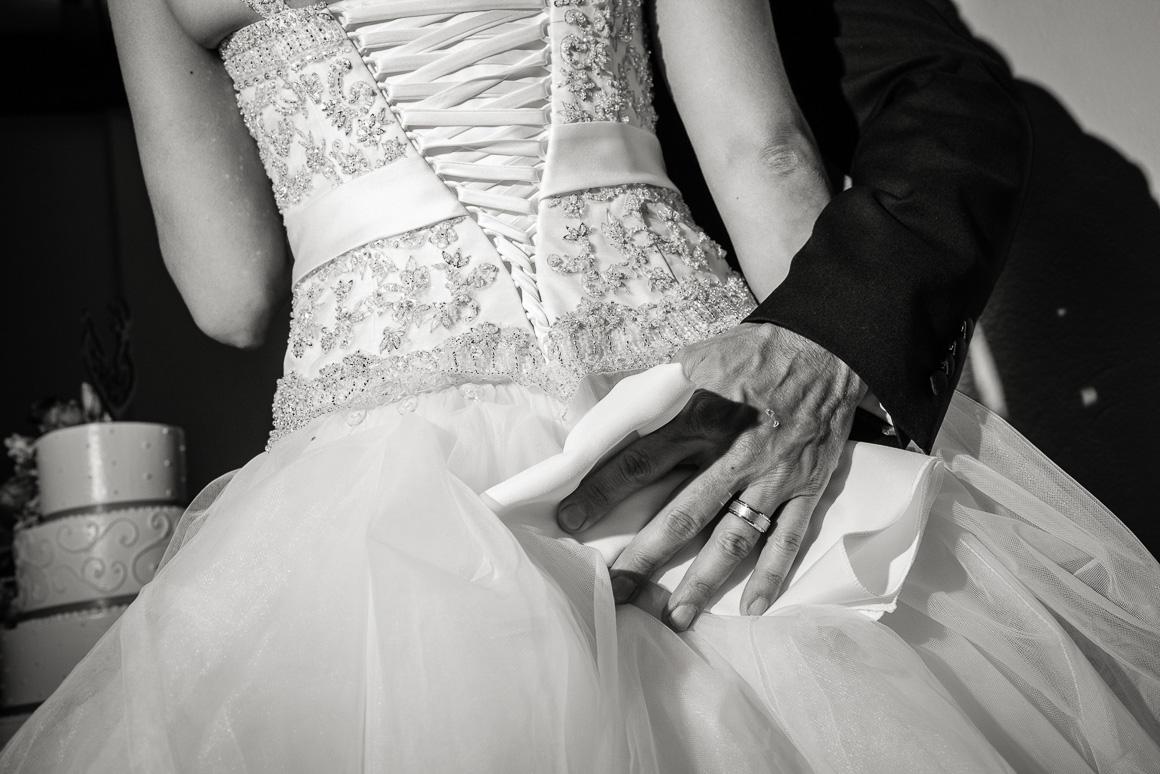 bride groom ring dress