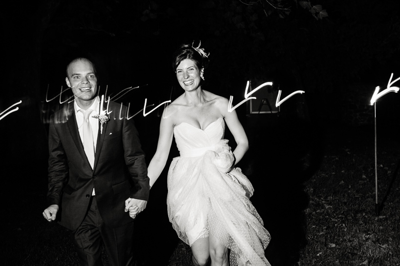 Bride and groom departure at Loudoun County wedding.